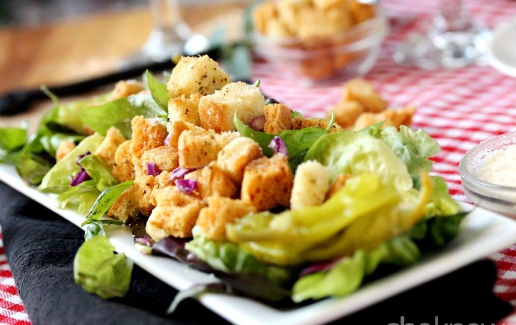 Salad bánh mì siêu ngon cho người ăn kiêng.